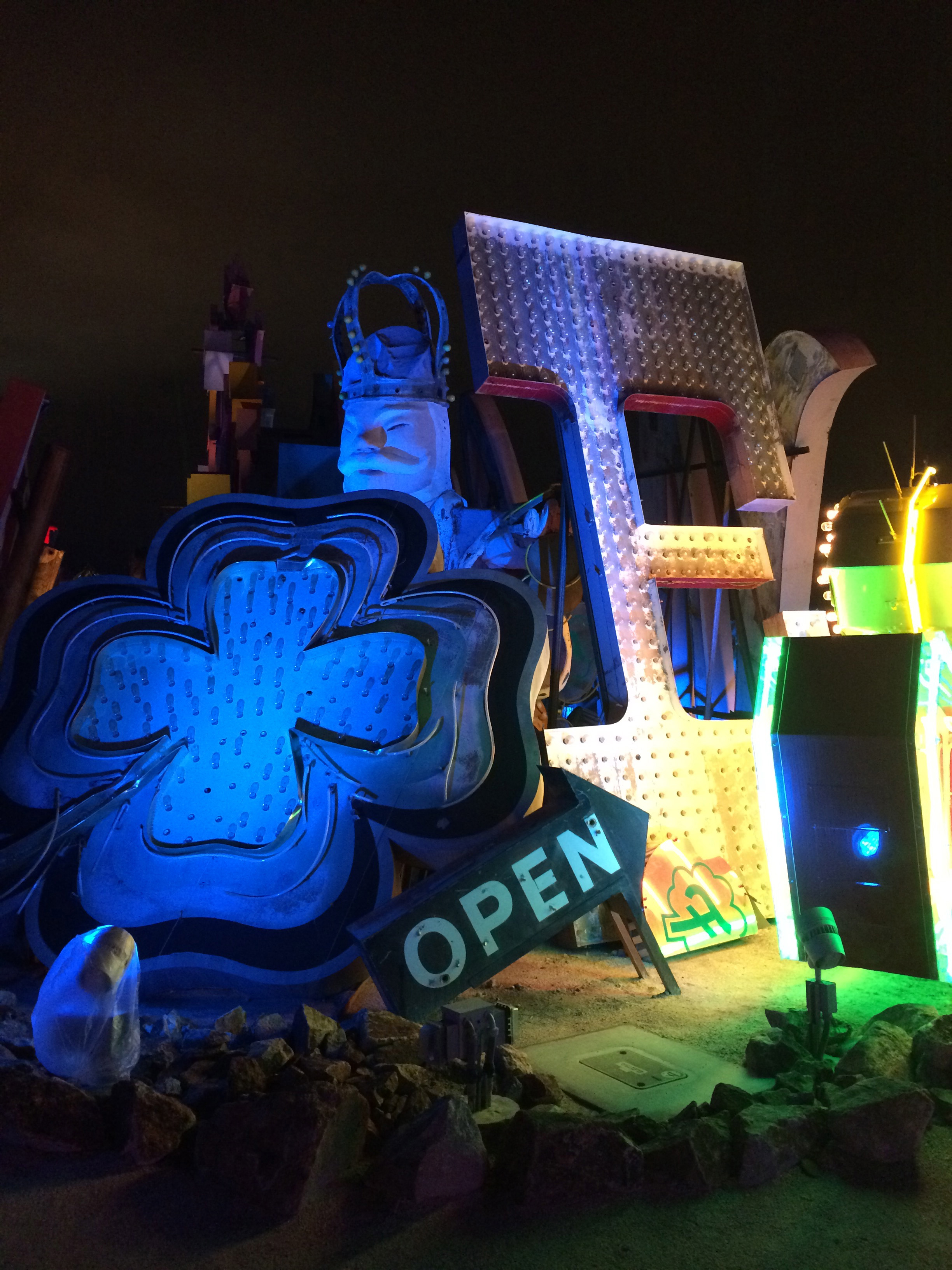 Coupon neon museum
